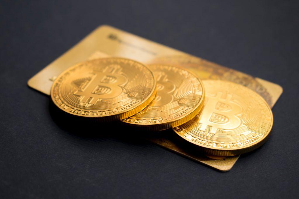 tre bitcoin mynt
