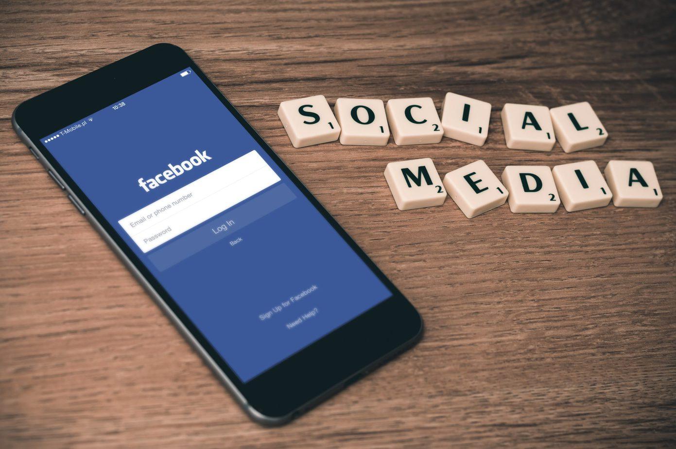 en iphone med facebook